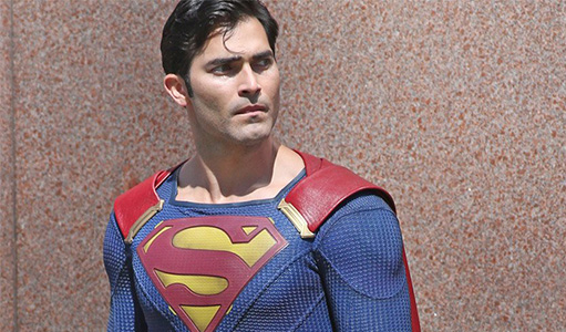 "Pics and Video of Tyler Hoechlin's Superman on ""Supergirl"""